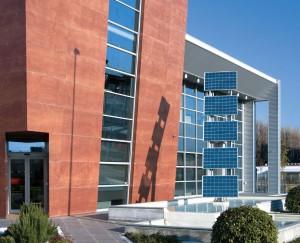 Edificio con celdas
