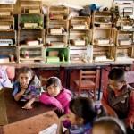 Evite la deserción escolar en comunidades.