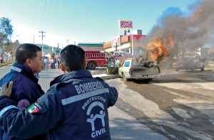 Carro incendiandose