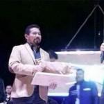 """Analizan sancionar a alcalde por entregar reconocimiento a """"El Komander"""""""