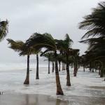 Los Cabos incomunicado por huracán Odile