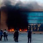 Destrozan Palacio de Gobierno de Guerrero