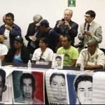 Reciben en el Senado a padres de normalistas de Ayotzinapa