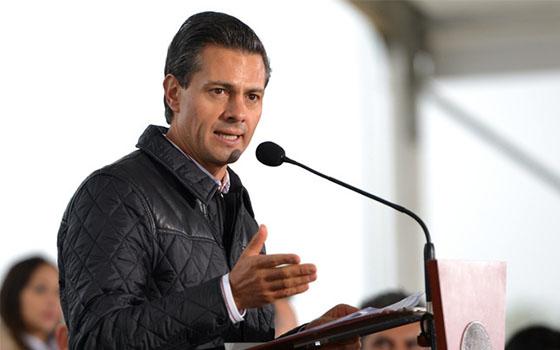 Llama Peña a superar dolor por Ayotzinapa