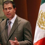 Castillo opera desde vacío legal: legisladores