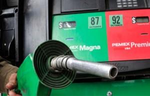 Mas_Gasolineras_de_las_permitidas_en_DF_Alcaldes_de_Mexico_Febrero_2015
