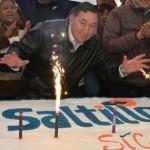 Cierran ayuntamiento para festejar cumpleaños de alcalde