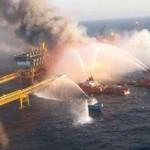 Incendio en plataforma Abkatun en la Sonda de Campeche (Video)
