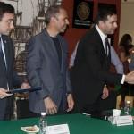 Reconoce Congreso de la Unión a Cazonci Editores