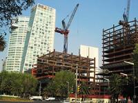 """Manufactura y construcción, """"la joya"""" de la economía mexicana"""