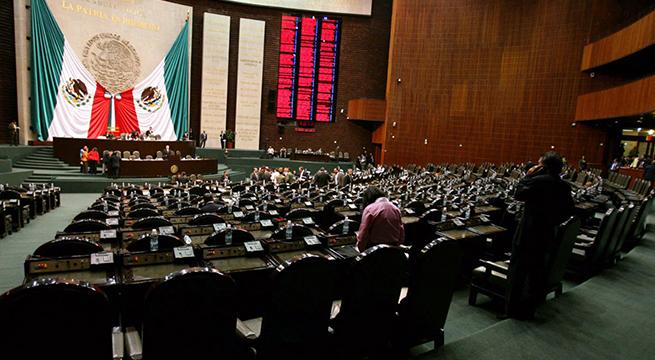 Concluye_Credencialización_Diputados_Alcaldes_de_Mexcio_Agosto_2015