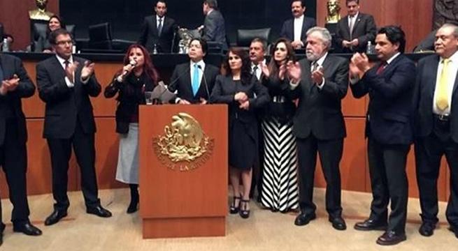 Revientan_sesion_caso_Ayotzinapa_Alcaldes_de_Mexico_Septiembre_2015