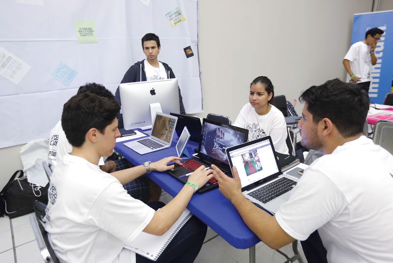 jovenes-computadoras-merida