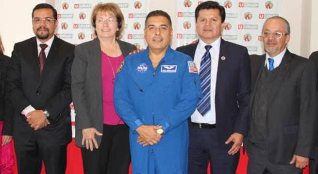 Abren_Ingenieria_Aeroespacial_Puebla_Alcaldes_de_Mexico_Octubre_2015