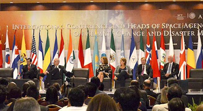 Avances_Agencia_Espacial_Mexicana_Alcaldes_de_Mexico_Octubre_2015