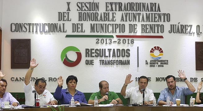 Dividen_Cancun_para_nuevo_municipio_Puerto_Morelos_Alcaldes_de_Mexico_Octubre_2015