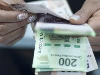 Presenta Zambrano iniciativa para limitar sueldos de funcionarios