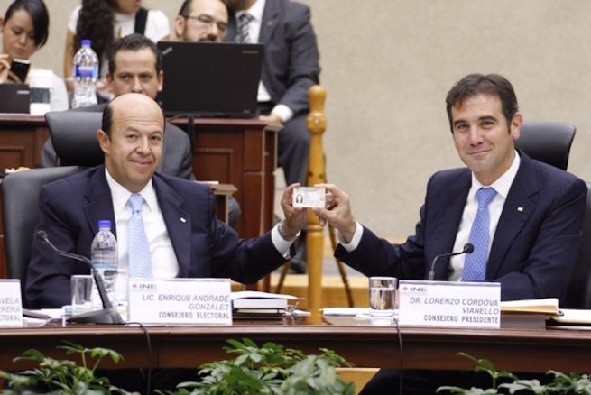 Nuevo_Modelo_Credencial_votar_extranjero_Alcaldes_de_Mexico_Octubre_2015