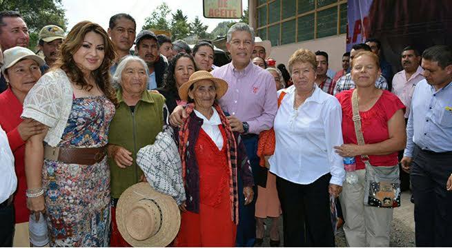 Penchyna_Motivado_Sumar_Esfuerzos_Hidalgo_Alcaldes_de_Mexico_Octubre_2015