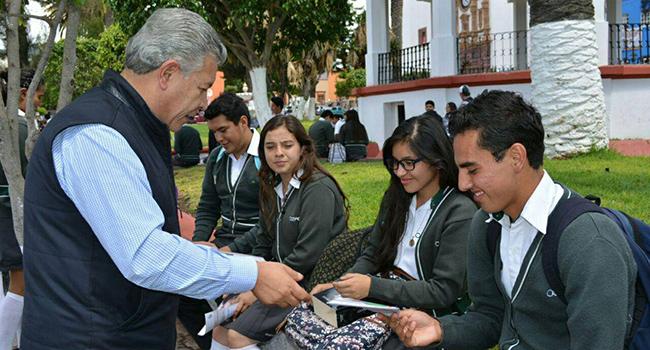 Rinde-Penchyna-Informe-Legislativo-Alcaldes-De-México-2015