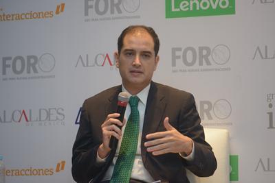 Arturo-Lujan-Olivas.fw