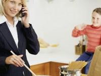 Estado y academia designan responsabilidad del hogar a las mujeres