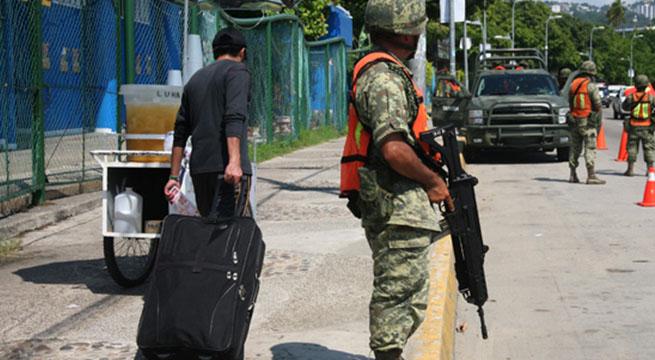 Militares_resguardan_escuelas_Acapulco_Alcaldes_de_Mexico_Noviembre_2015