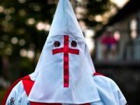 Anonymous publica lista de senadores y alcaldes de EU miembros del Ku Klux Klan
