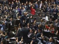Con tres meses en el cargo, diputados federales ya buscan candidatura para 2016