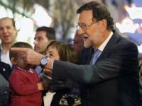 Mariano Rajoy es golpeado durante mitin