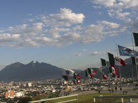 Nuevo León venderá plazas y parques para subsanar deudas