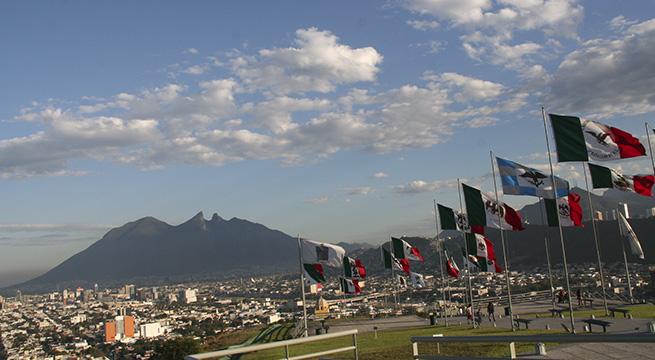 Nuevo_Leon_vendera_plazas_parques_Alcaldes_de_Mexico_Diciembre_2015