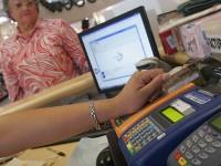 Prohibirán cobro de comisiones por pago con tarjetas de crédito o débito
