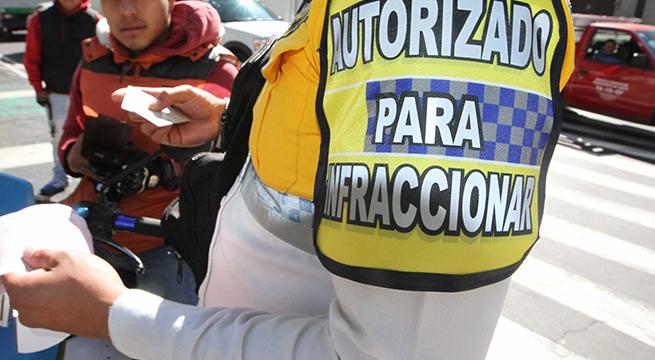 Van_23_mil_multas_reglamento_transito_Alcaldes_de_Mexico_Diciembre_2015