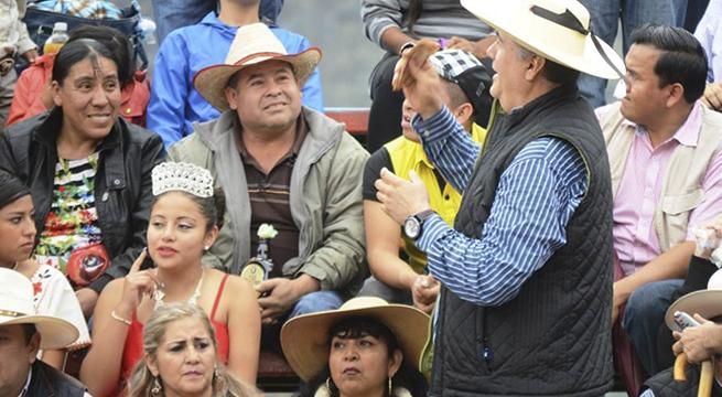 Alcalde_Chilpancingo_regala_dinero_Alcaldes_de_Mexico_