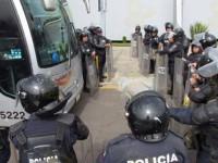 Exoneran a 30 normalistas de Michoacán de robo y daños