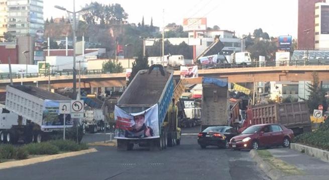 Camioneros_bloquean_Huixquilucan_Alcaldes_de_Mexico_Marzo_2016
