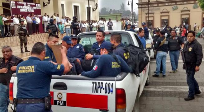 Detienen_ocho_policías_Papantla_Alcaldes_de_Mexico_Marzo_2016