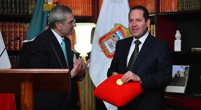Recibe_Eruviel_Avila_medalla_Alcaldes_de_Mexico_Marzo_2016