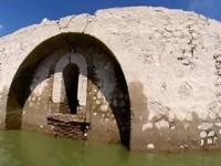 Sequía en presa de Oaxaca descubre templo del siglo XVI