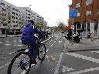 Desincentivar uso de automóvil y mejorar transporte público, coinciden alcaldes y expertos