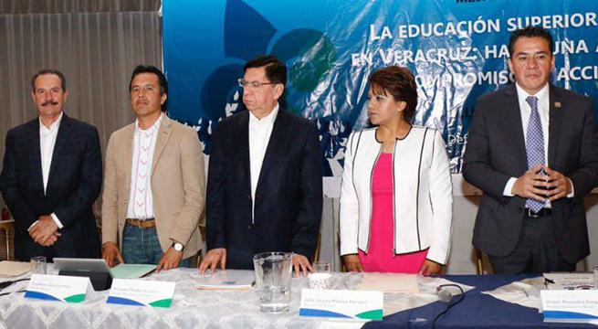 Candidatos_Veracruz_ofrecen_recursos_a_UV_Alcaldes_de_Mexico_Abril_2016