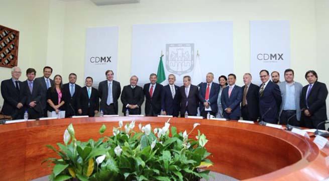 Grupo_asesores_constitucion_CDMX_Alcaldes_de_Mexico_Abril_2016