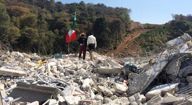 Policia_Estado_de_Mexico_desaloja_Xochicuautla_Alcaldes_de_Mexico_Abril_2016