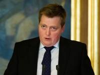 Renuncia primer ministro de Islandia implicado en Panamá Papers