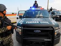 Ejército detiene a policías de Veracruz con un auto robado y armas en Papantla