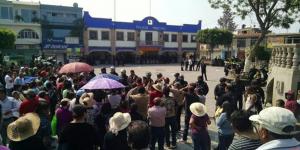 Grandareos_desalojan_habitantes_Coyotepec_rechazan_municipalizacion_agua_Alcaldes_de_Mexico_Mayo_2016