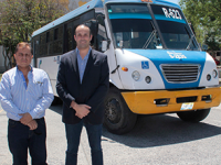 Jaliscienses convierten camiones usados en transporte público eléctrico