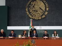 Peña Nieto propone reforma para legalizar el matrimonio igualitario en todo el país