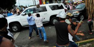 Apedrean_a_gobernador_electo_de_Veracruz_Alcaldes_de_Mexico_Junio_2016